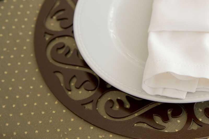 Locação e Venda Decoração de Festas , Sousplat para Mesa e Decoração , Sousplat para Buffet e Casamentos , Sosplat toalha de mesa .