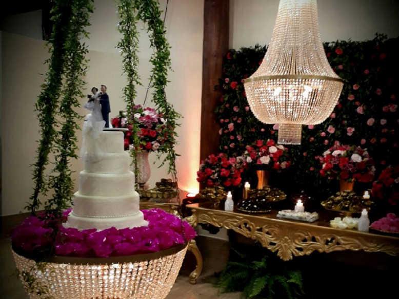 Lustre Colonial para Festas de Casamento